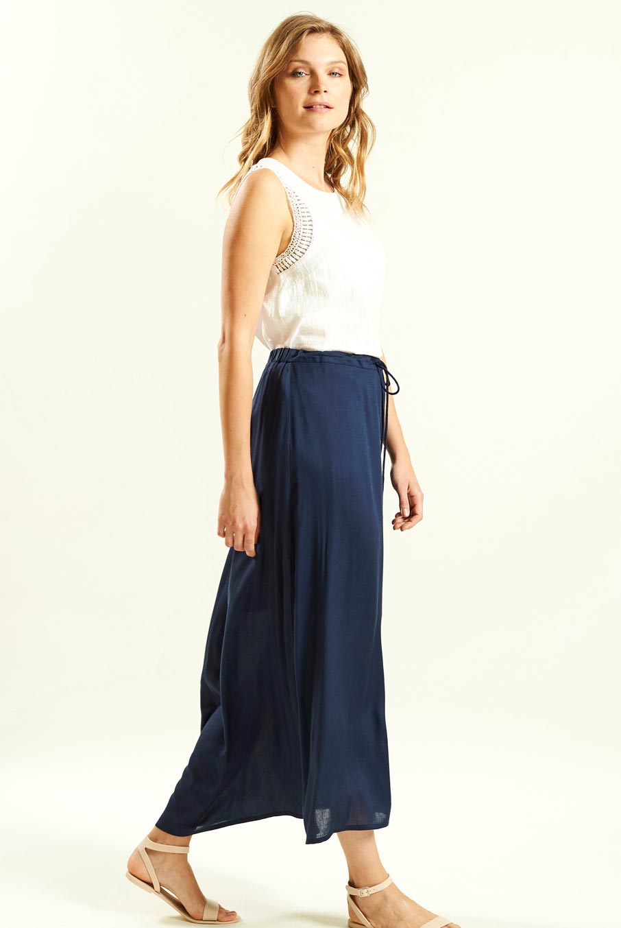 Scoop Hem Long Skirt