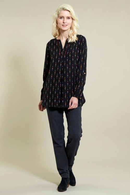 Ikat Scoop Hem Top in Ikat Weave Cotton - image shows Coal
