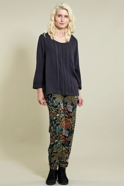 Pin Tuck Top in Woven Viscose xtra view of Coal