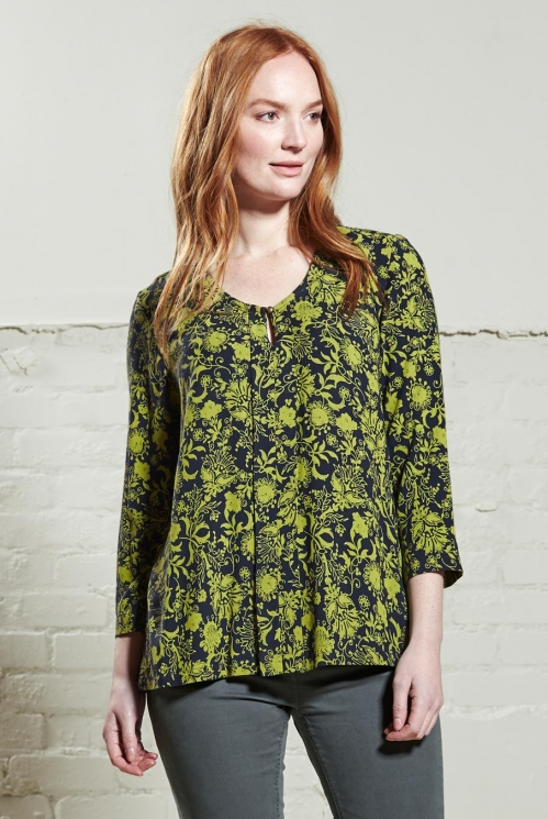 Moss Pleat Front Top