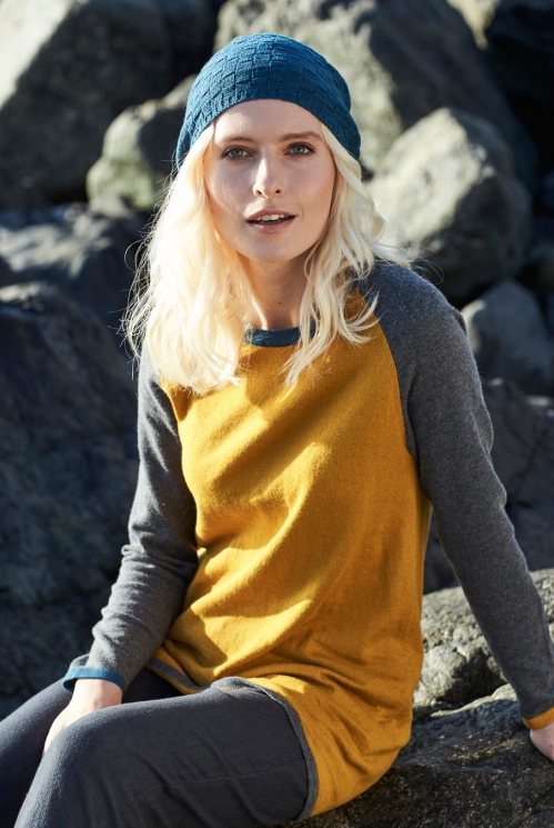 Tunic Jumper in 40% Wool 60% Cotton location view of Gold