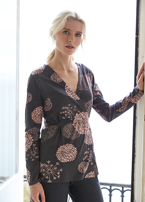 Viscose wrap top in floral print on blonde woman